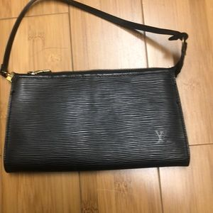 Louis Vuitton Epi leather purse